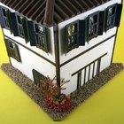 Cómo construir un modelo en miniatura de una casa con madera