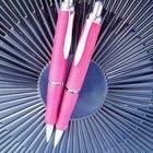 Cómo funciona un bolígrafo retráctil