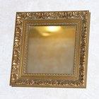 Cómo reparar un rasguño en la pintura reflectante en un espejo