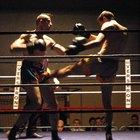La forma de boxeo con las manos y los pies