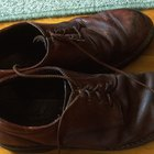 How Do You Remove Mold Stains & Smell From Shoes?