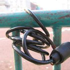 Cómo reconfigurar la combinación de cuatro dígitos de la cerradura de una bicicleta