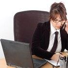 Cómo evitar los calambres en las piernas cuando estás sentado trabajando