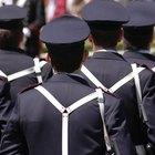 Actividades y manualidades para niños pequeños relacionadas con los oficiales de policía