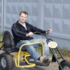 Etapas de desarrollo para aprender a montar en triciclo