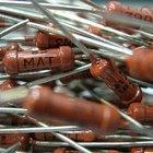 Cómo calcular una caída de tensión en resistores