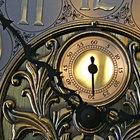 Cómo establecer la hora y la campana  en los relojes Howard Miller