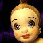 Cómo pintar la cara de una muñeca de trapo