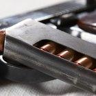 Cómo desarmar una pistola calibre .380
