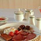 Cómo usar adjetivos descriptivos para describir el menú del desayuno