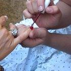 Cómo usar un removedor de cutículas para manicura