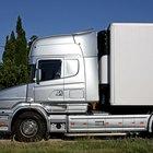 Cómo darle marcha atrás a un camión en un ángulo de 45º