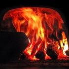 ¿Por qué la madera crepita cuando se quema?