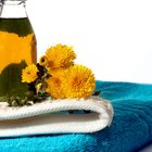 How to Remove Salad Oil Stains From Clothes