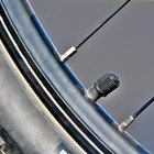 ¿Cómo inflar un neumático de bicicleta con una válvula Presta?