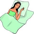 ¿Cuáles son las causas de las palpitaciones y contracciones cardíacas durante el sueño?
