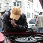 Cómo agregar aceite a la transmisión de un Dodge Stratus