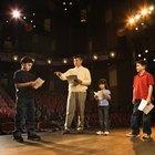 Cómo empezar una compañía de teatro