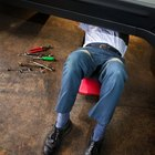 Cómo arreglar una válvula de recirculación de gas de escape en un Ford Focus