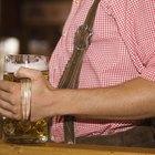 ¿Un hombre puede perder grasa abdominal y seguir tomando alcohol?