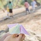 Cómo hacer una rosa de papel en origami