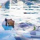 Cómo nadar después de hacerse la permanente