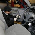 Cómo solucionar problemas con las luces en un Toyota Corolla