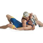 Cómo hacer un agarre cruzado en wrestling
