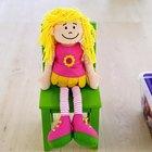 Como hacer muebles para muñecas usando objetos cotidianos