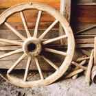 Cómo restaurar una vieja rueda de carreta de madera