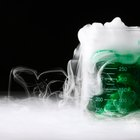 Qué pasa cuando echas hielo seco en agua