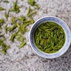 ¿Se debería tomar té descafeinado durante la lactancia?