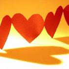 Cómo hacer una cadena de corazones