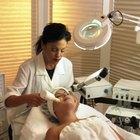 ¿Cuáles son los tratamientos para la decoloración facial?