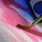 Cómo reparar un desgarrón en un lienzo para pintura