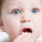 Manchas rojas en la boca y mal aliento en los niños pequeños