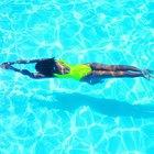 El nado de pecho y cómo nadar más rápido