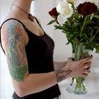 ¿Cómo proteger un tatuaje usando bloqueador solar?