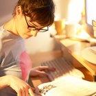 Cómo escribir el encabezado de un ensayo universitario