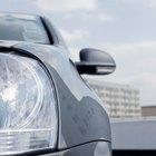 Cómo arreglar una luz trasera de un BMW