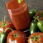How to Thicken Up Tomato Juice for Pizza Sauce