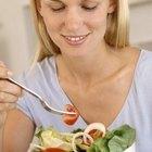 ¿Puede una mujer comer una ensalada después del ejercicio?