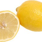 How to Make a Lemon Centerpiece With Water in a Vase