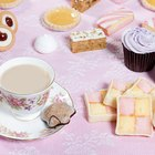 What Desserts Are Served With a Traditional British Tea?
