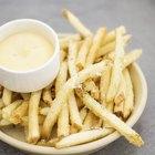 ¿Cuántas calorías hay en las patatas fritas con queso?