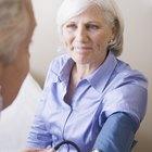 ¿Es normal que la presión arterial de las personas mayores esté un poco alta?