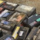 ¿Cómo limpiar el polvo blanco de una batería?