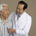 The Differences Between Medicare Advantage & Medicare Supplements