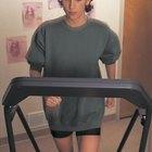 Inicio recomendado para los principiantes en caminata vigorosa sobre una cinta para correr