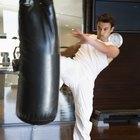 Entrenamientos para kickboxing y bolsa de arena